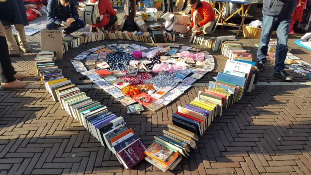 creative book sale