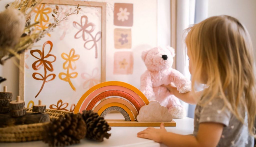 girl with pink teddy bear